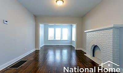 Living Room, 2858 N Harding Ave Apt 1, 1
