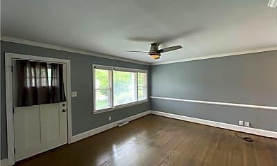 Living Room, 2221 Amesbury Ave, 1
