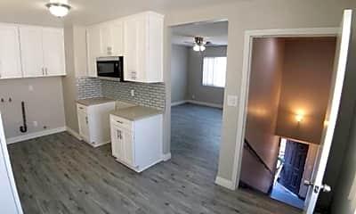 Living Room, 810 W D St, 0