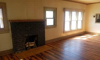 Living Room, 206 W 1st St, 0