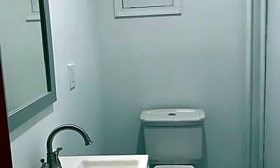 Bathroom, 423 S 15th St 1ST, 2