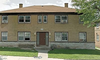 Building, 1429 W Atkinson Ave, 2