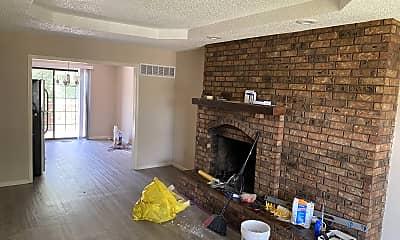 Living Room, 11310 Calico Drive, 1