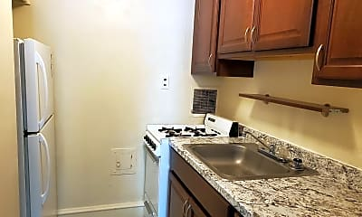 Kitchen, 245 Walnut St, 1