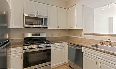 Kitchen, 555 Massachusetts Ave NW, 2