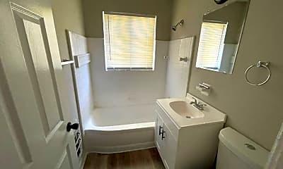 Bathroom, 4000 Belwood Dr, 2