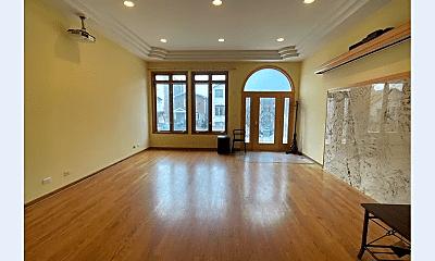 Living Room, 3809 S Parnell Ave, 1