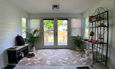 Living Room, 750 32nd St, 0