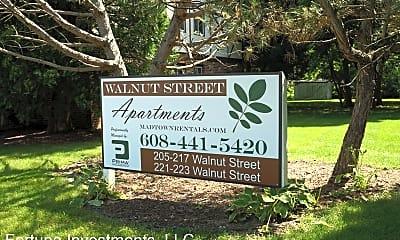 Community Signage, 205 Walnut St, 1