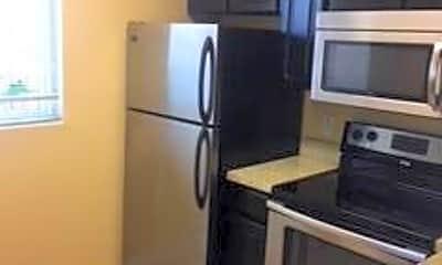 Kitchen, 1040 Lake Shore Dr, 1