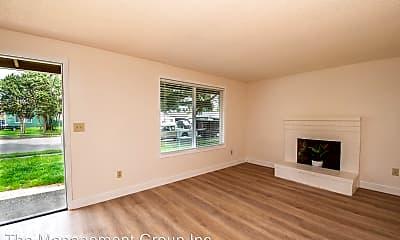 Living Room, 3514 NE 126th Ave, 2
