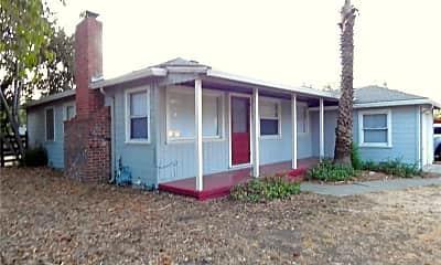 2581 Buena Vista Ave, 1