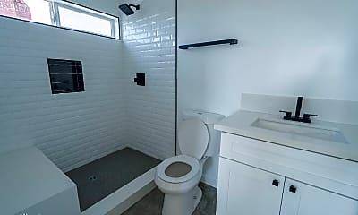 Bathroom, 140 N Carondelet St, 2