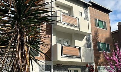 Building, 22425 Del Valle St, 0