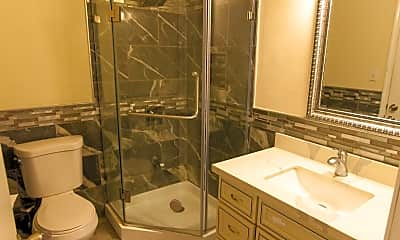 Bathroom, 804 Dorrie Avenue, 2