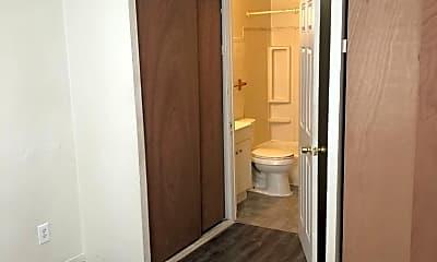 Bathroom, 120 Bellerive Blvd, 2