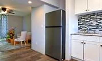Kitchen, 3676 Lower Honoapiilani Rd, 1