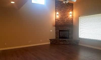 Living Room, 7212 W Chestnut Ave, 2