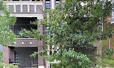 Building, 1241 W Oakdale Ave, 0