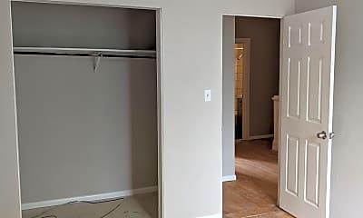 Bedroom, 412 4th St N, 2