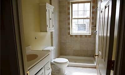 Bathroom, 3015 West Ave, 2