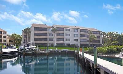 Building, 923 Oak Harbour Dr 923, 0
