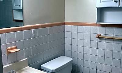 Bathroom, 4800 Township Line Rd, 1