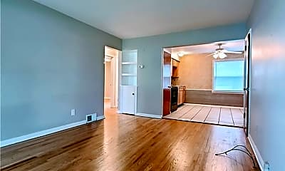 Living Room, 5223 Old Oxford Ln 1, 1