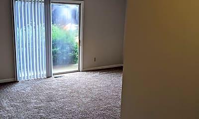 Living Room, 906 E Harding Dr, 2