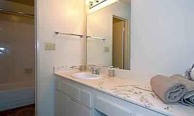 Bathroom, RC Briarwood Apartment Homes, 2