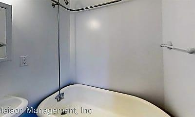 Bathroom, 593 Park Ave, 2