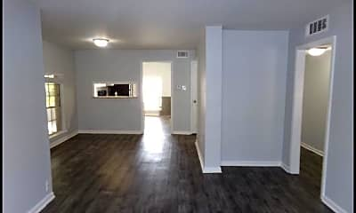 Living Room, 1601 N Bryant #26, 1