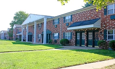 Building, Cooperstown Apartments, 0