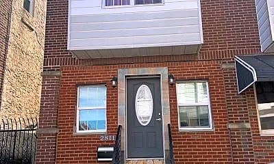 Building, 2811 S Franklin St, 2