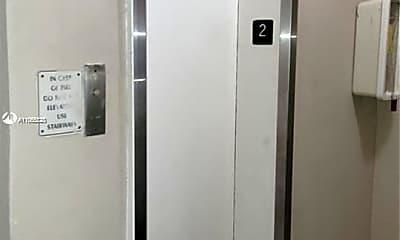 Bathroom, 300 Golden Isles Dr 207, 2