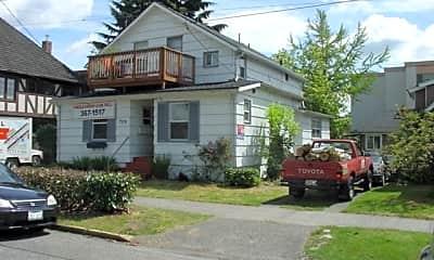 Building, 709 NE 43rd St, 2