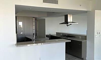 Kitchen, 2777 Paradise Rd 1402, 1