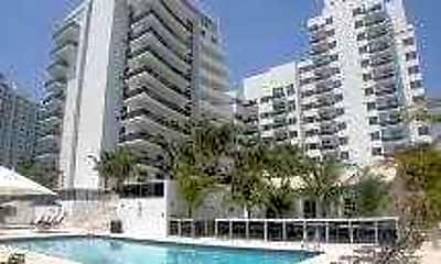 The Crown Miami Beach, 1