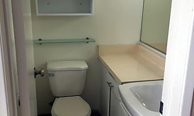 Bathroom, 3112 Newton St, 2