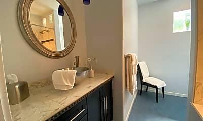 Bathroom, 562 Forestview Dr, 2
