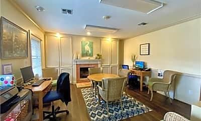 Living Room, 3546 S Alameda St, 2