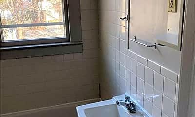 Bathroom, 12 Svea Ave 2, 2