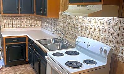 Kitchen, 775 Ernroe Dr, 1