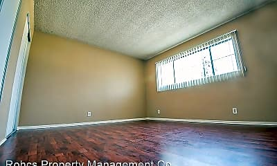 Bedroom, 358 S Commonwealth Ave, 2
