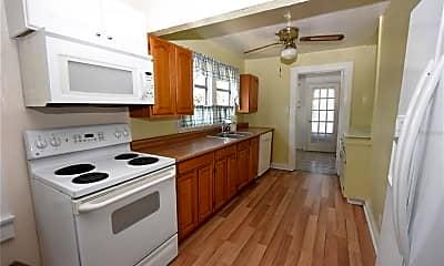 Kitchen, 702 E Lowell St, 1