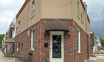 Building, 2910 S 18th St C, 2
