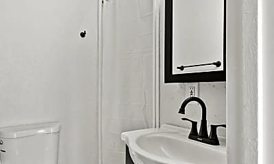 Bathroom, 212 3rd St, 1