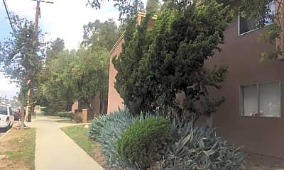 Anaheim Gardens, 2