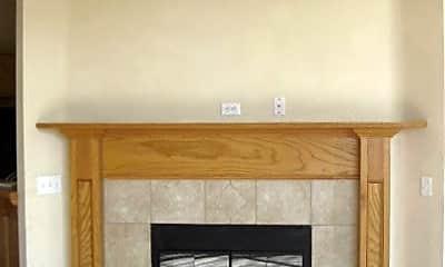 Living Room, 905 Eagle Cliff Dr, 2