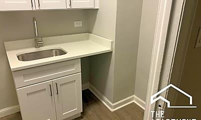 Bathroom, 2373 E 70th St, 1